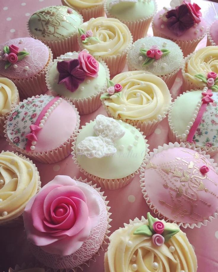 Pretty and feminine pink cupcakes