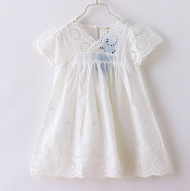 Дешевое 2015 новые летние девушки кружевные платья детей принцесса платье выдалбливают белый 2 8 лет 5 шт./лот оптовая продажа 2461, Купить Качество Платья непосредственно из китайских фирмах-поставщиках:                                 &nbs