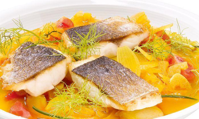 Französische Fischsuppe mit Meerbrasse