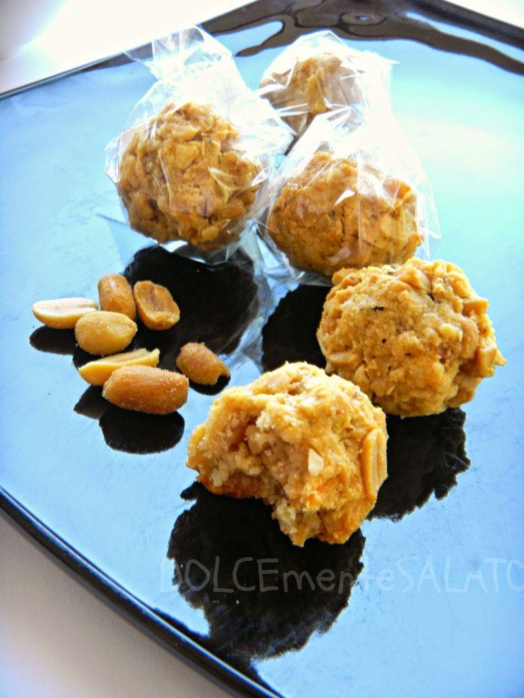DOLCEmente SALATO: Brutti e buoni alle arachidi