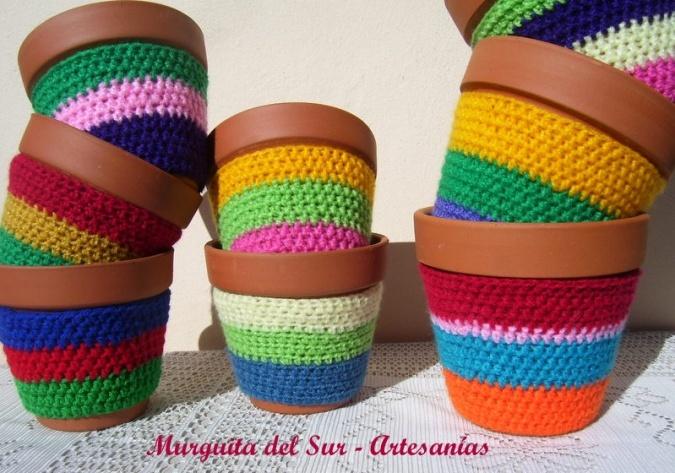 Macetas De Barro Con Fundas Tejidas Al Crochet: Crochet Ideas, Para Macetas, Objetos Crochet, For, Color, Macetas Tejidas, En Crochet, Pots