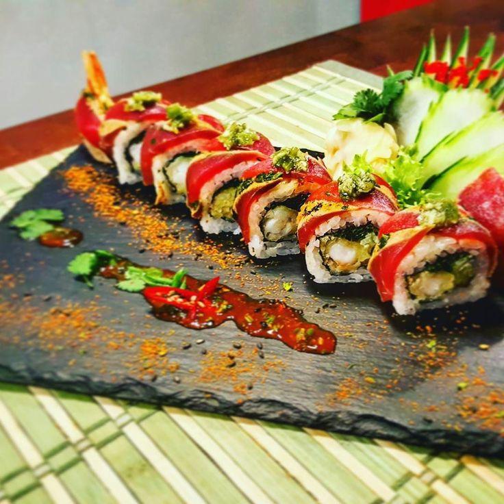#sushi #sashimi #sushitime #sushibar #sushilovers #tunatataki #tataki #kamesushi #kame #food #foodporn #kizamiwasabi #wasabi #topping by midurskii