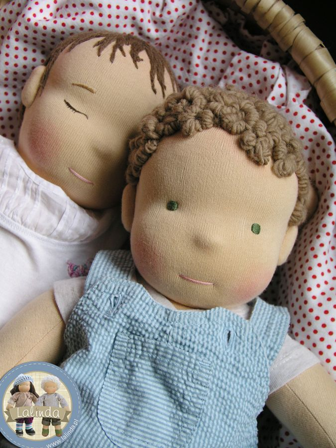 . Wojtek e Iga - bebés cargados aproximadamente 4 kg | Lalinde