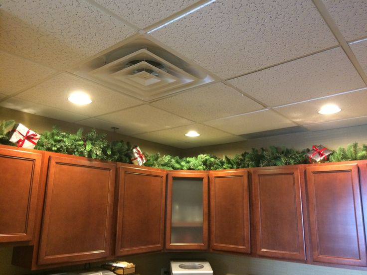 holiday decorations for the office. Holiday Office Decorations Garland And Presents Are A Great Decoration For The