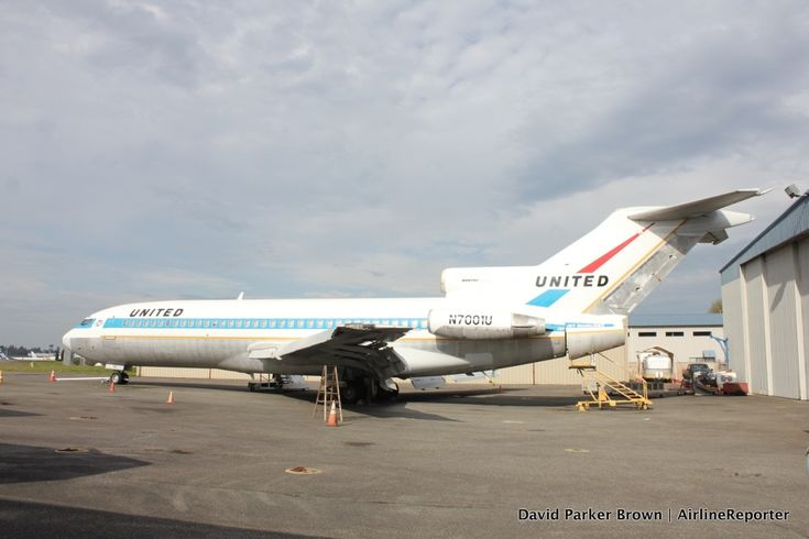 The first Boeing 727 sitting at Paine Field