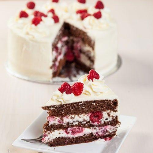 Zomerse chocolade taart met frambozen