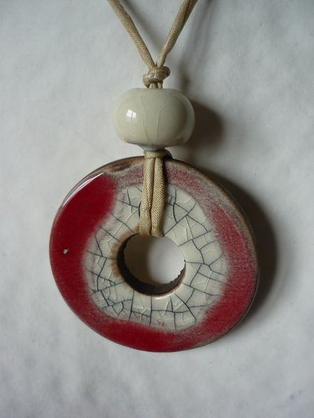 Collier en céramique médaillon raku