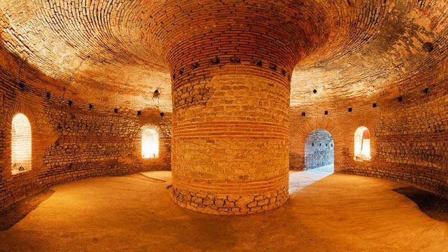Πυρφόρος Έλλην: Ο αρχαίος θολωτός τάφος του Πομόριε, της Γκεργκάνα...