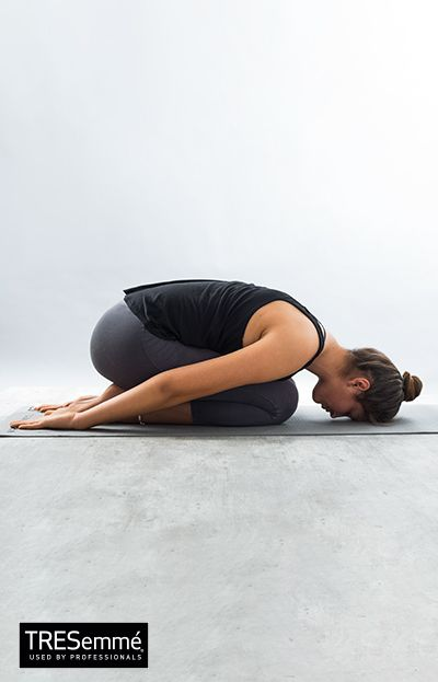 Postura del niño + Balasana + Asanas YogaTRESemmé