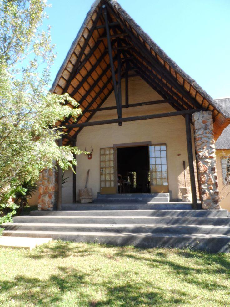 Entrance to Shikwari Bush Lodge.