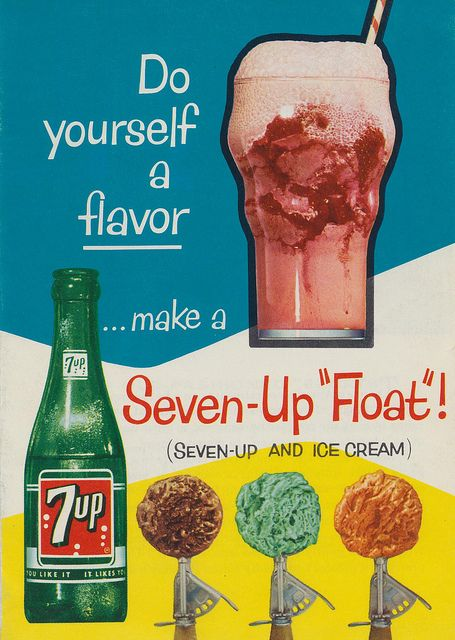 Me quedo con las hamburguesas y los perros calientes. | Seven-up and Ice Cream. This is an 8-page mini brochure from 1961.