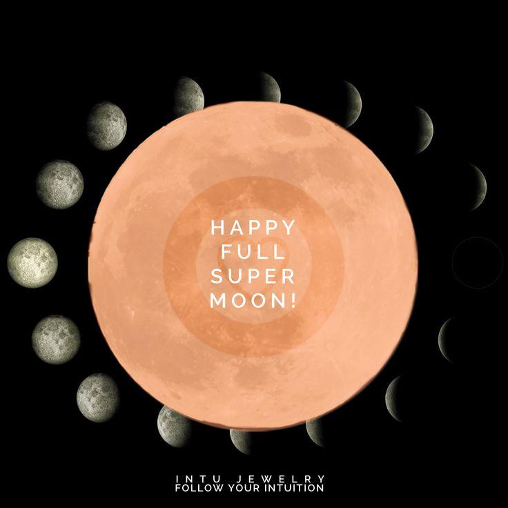 Happy Full Moon! 14 november -14:53 Deze Maan wordt ook wel de Offer of de Bloedmaan genoemd en omdat ze in haar baan nu het dichtste bij de aarde staat is het ook nog eens een Supermaan. Het is zelfs de grootste Supermaan van deze eeuw. Een volle maan met een extra sterke energie! De Bloedmaan heeft als thema Bewustzijn en geven (offeren). De winter komt eraan en we keren steeds meer naar binnen. Sta stil bij jouw wijsheid. Waar ben je dankbaar voor en met welke zaken emoties of gedachten…
