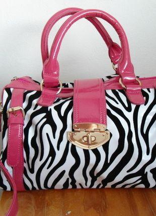 Kupuj mé předměty na #vinted http://www.vinted.cz/damske-tasky-a-batohy/kabelky/9768187-cernaruzova-zebra-kabelka