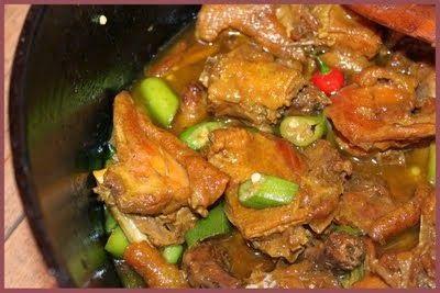 Culinária de Domingo: FRANGO COM QUIABO (COMIDA MINEIRA)