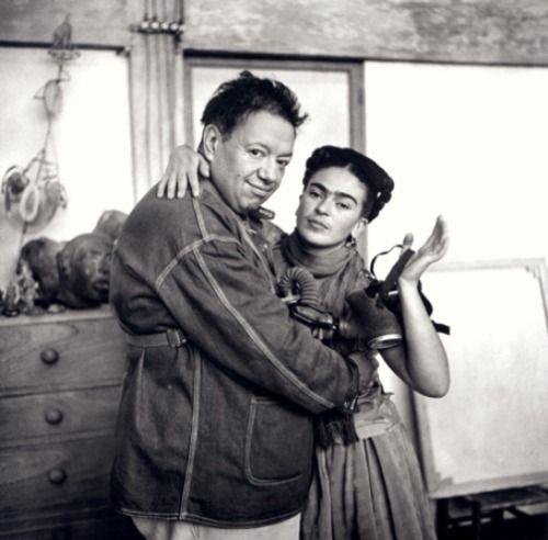 Nickolas Muray - Frida Kahlo with Diego Rivera and Gas Mask (1939)