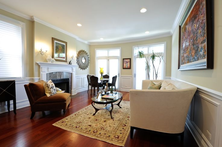 Gorgeous living room with wainscoting favorite images for Living room quiz pinterest