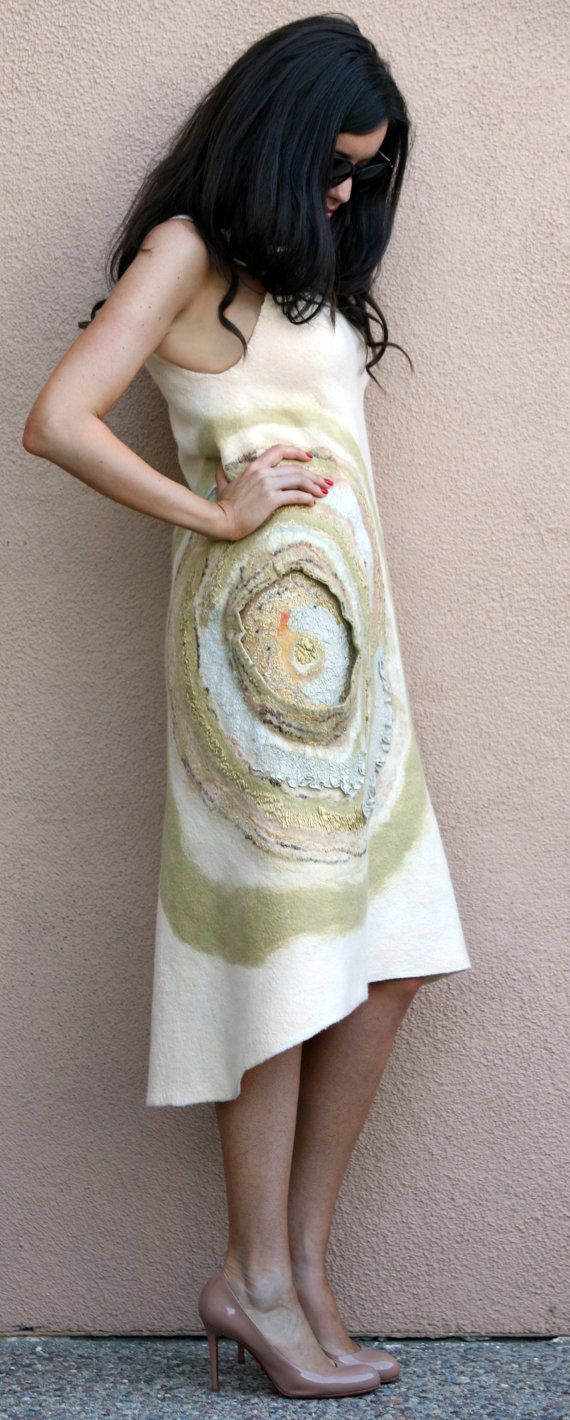 Felted off white cream gold sleeveless woman casual dress golden seamless…