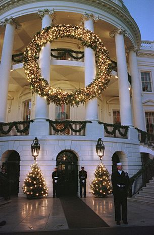 The White House at Christmas: A timeless tradition - CBS News: