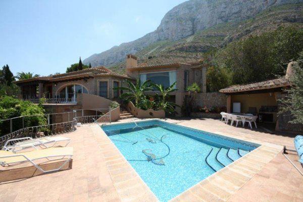 VP62  3 Bedroom Villa for sale with sea views in Denia. - Photo