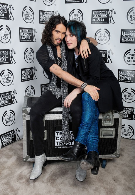 The Goth Detectives. These two are too adorable; separated at birth! Noel claims that Russell stole his look.