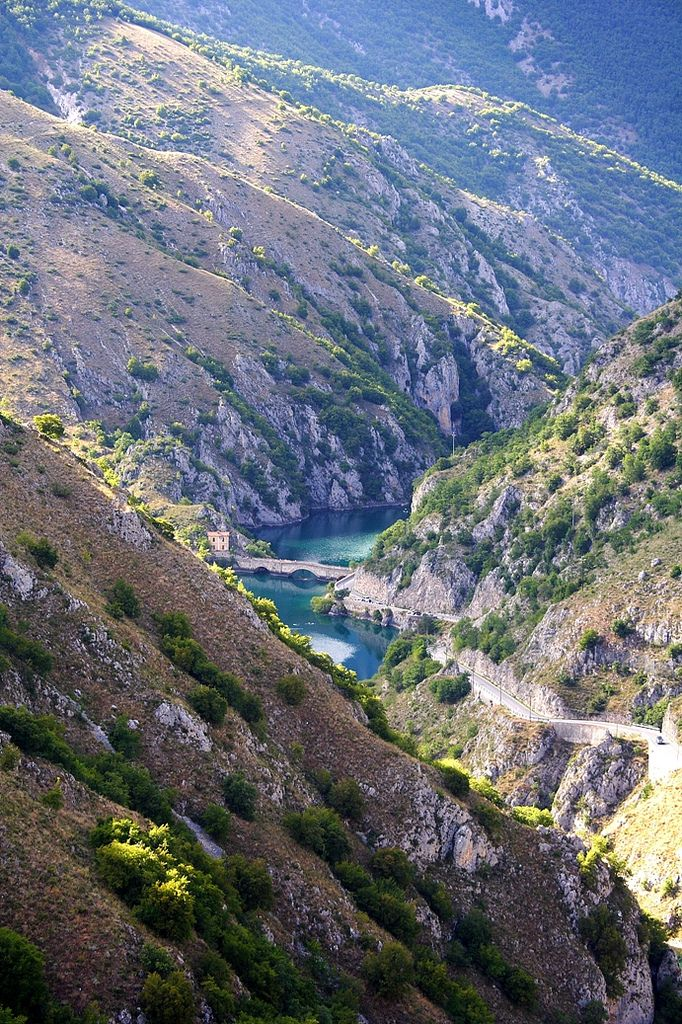 Gole del Sagittario, #Abruzzo | Italy (by Emidio Anello)