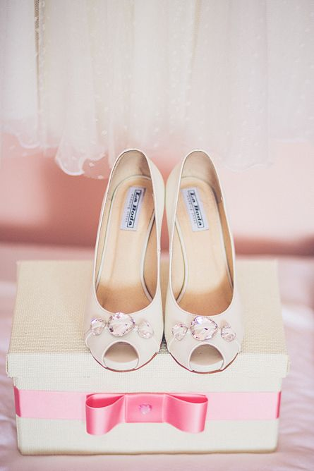 wedding shoes, wedding photography