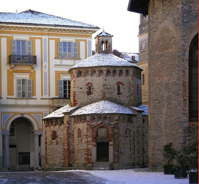 Biella - Il Battistero romanico - sec XI