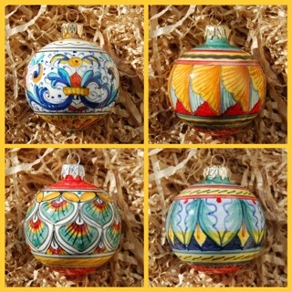 Deruta italian ceramic decoration - Christmas ornaments: set of four balls.  These are beautiful created by Francesca Niccacci