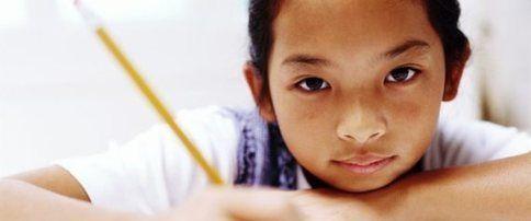 Une lune dans toutes les écoles C'est pourtant simple ;-) ... A mettre en lien avec mes articles sur les devoirs, épisodes 1 et 2 : http://blog.scommc.fr/les-devoirs-bataille-du-soir/ et http://blog.scommc.fr/les-devoirs-episode-2/ Et aussi avec cet article sur l'hyperactivité et les étiquettes : http://blog.scommc.fr/les-etiquettes/