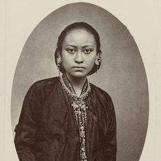 echtgenote Ratoe van Pakoe Boewono IX, Sushunan van Surakarta