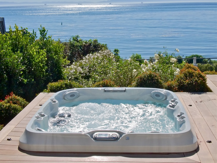 1000 images about spas jacuzzi en ext rieur on pinterest backyards chale - Jacuzzi spa exterieur ...