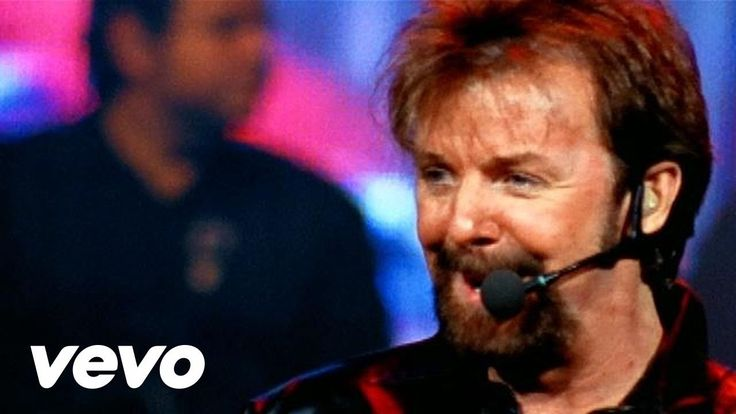 Brooks & Dunn official music video for 'Only In America'. Click to listen to Brooks & Dunn on Spotify: http://smarturl.it/BrDunnSpot?IQID=BrDunnOiA As featur...