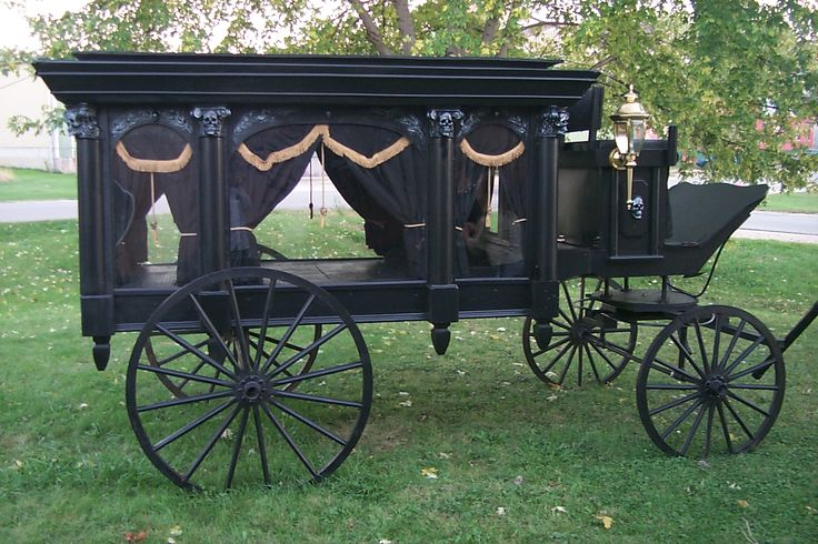 Click here for the How-To for the Horse Drawn Hearse Halloween prop.