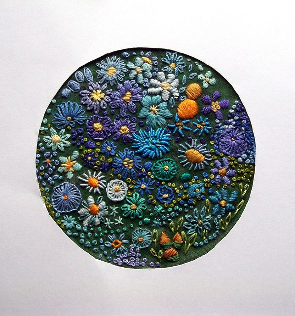 Blue Border | In a makeshift frame! 12 cm. diameter. | dozydotes | Flickr