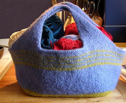 Felted bag.  Free pattern.