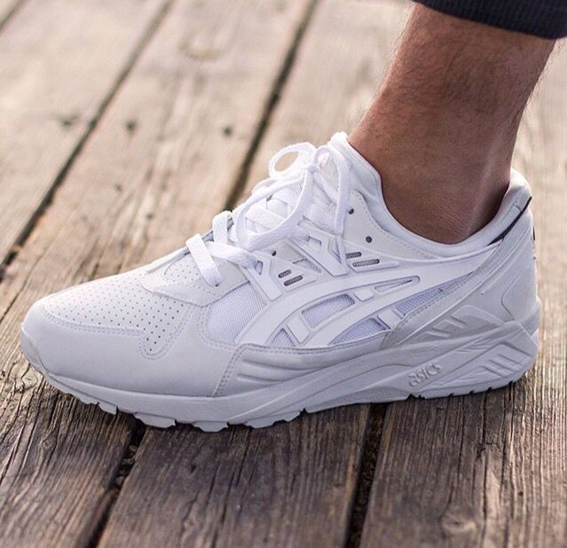 There is 0 tip to buy these shoes: white sneakers sneakers asics asics  sneakers asics gel-kayano.