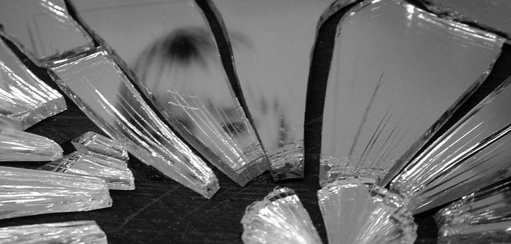 La superstition du miroir cassé