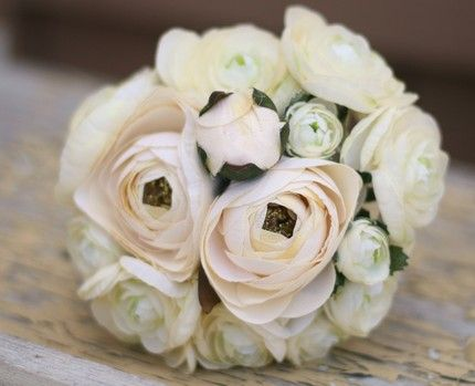 White and soft cream bouquet