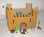 Giochi e lavoretti per bambini: Un castello medievale! Sottocoperta: il portale di Viaggi, Enogastronomia e Creatività