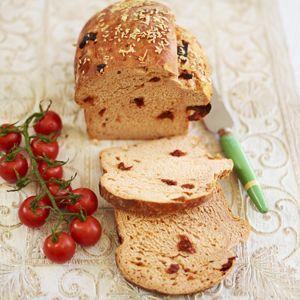 Recept - Zelfgemaakte tomatenbrood - Allerhande
