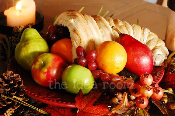Edible CornucopiaParties Frostings, Breads Recipe, Thanksgiving Ideas, Edible Centerpieces, Tables Centerpieces, Thanksgiving Centerpieces, Breads Dough, Breads Cornucopia, The Breads