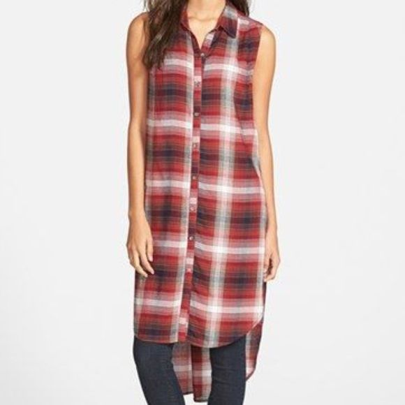 Chloe K Long Flannel Shirt Super cute Chloe K long flannel. Great for summer with leggings or winter with a long sleeve underneath! Perfect condition. Chloe K Tops Button Down Shirts