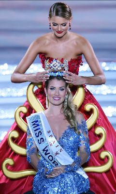 Miss Spain emerges as winner of Miss World 2015 - http://www.thelivefeeds.com/miss-spain-emerges-as-winner-of-miss-world-2015/
