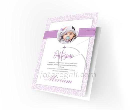 Card personalizzata con grafica viola