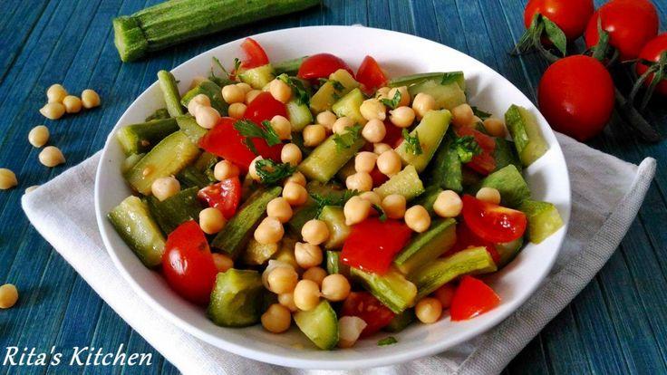 Insalata di zucchine con ceci e pomodorini