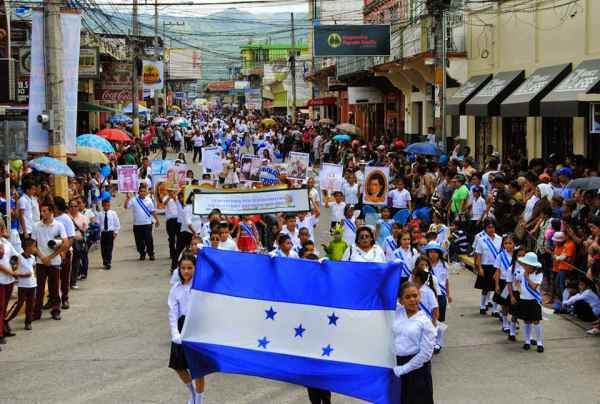 Honduras-Independence-parade.jpg (600×404)   Parades