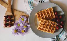 Was kann es besseres geben, als Waffeln zum Frühstück? Damit dein veganer Waffelteig perfekt gelingt, gibt es hier unser Rezept.