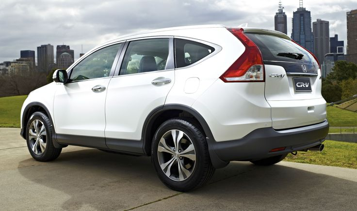 """Fourth Generation """" Honda """" urban SUV """" CR- V"""" was presented at the Market Home The price of 22,500 euros for the version with a two-liter gasoline engine ( 155 hp) and front-wheel drive and packages comfort. Cheapest CR-V with a 4WD drive costs 24,9"""