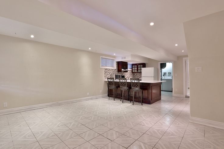 The next tenant - you - will benefit from all the upgrades recently conducted on the entire unit, as well as the rest of the home. There's no need to sacrifice comfort and style for city living when you call this place home.