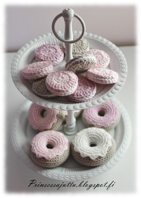 Crocheted yummies. Link site can be translated to English. There are links to various patterns.